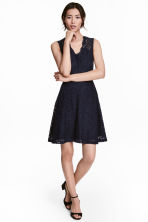 V-neck lace dress - Dark blue - Ladies | H&M CN 1