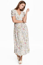 V-neck dress - Natural white/Floral - Ladies | H&M CN 1