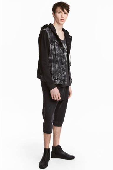 Shorts in felpa - Nero Washed out - UOMO | H&M IT 1