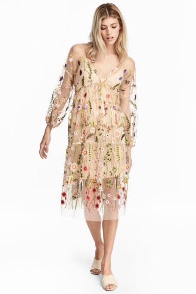 Embroidered dress - Powder beige/Floral - Ladies | H&M GB 1