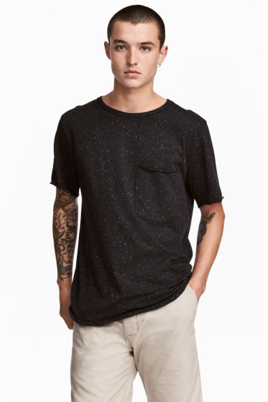 T-shirt with a chest pocket - Black/Neps - Men | H&M