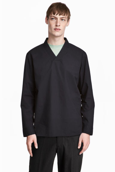 V-neck cotton shirt - Black -  | H&M CN 1
