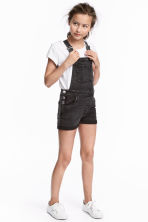 Dungaree shorts - Black washed out - Kids | H&M CN 1