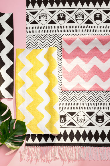 Zigzag-print cotton rug - White/Pink - Home All | H&M CN 1