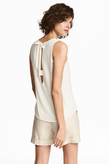 Sleeveless blouse - Natural white -  | H&M CN