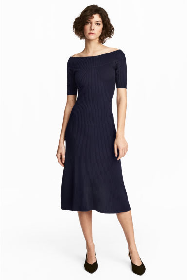 Off-the-shoulder dress - Dark blue -  | H&M 1