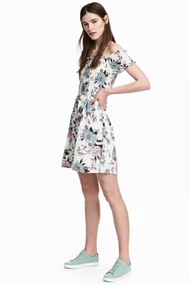 Dress with smocking - White/Floral - Ladies | H&M CN 1