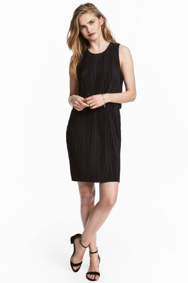 Pleated dress - Black - Ladies | H&M 1