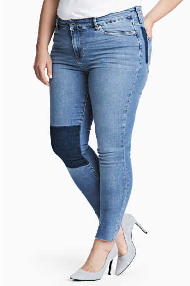 H&M+ Skinny Regular Jeans Model