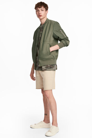Knee-length sweatshirt shorts - Beige - Men | H&M 1