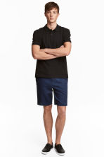Knee-length cotton shorts - Dark denim blue - Men | H&M 1