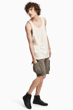 Sweatshirt shorts with pockets - Khaki - Men | H&M 1