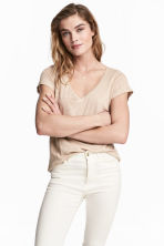 V-neck linen top - Light beige - Ladies | H&M 1