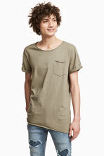 Long T-shirt - Khaki green - Men | H&M CN 1