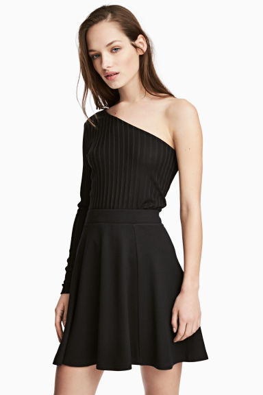斜肩上衣 - Black - Ladies | H&M 1