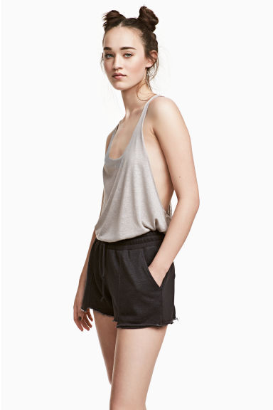 Short sweatshirt shorts - Black - Ladies | H&M CN 1