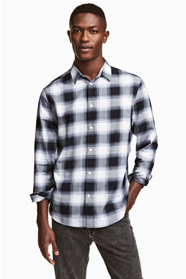 Cotton shirt Regular fit - Dark blue/Checked - Men | H&M