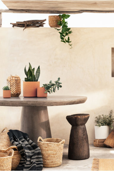 Terracotta plant pot - Terracotta - Home All | H&M CN 1
