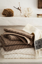 Jacquard-patterned bath towel - Mole - Home All | H&M CN 1