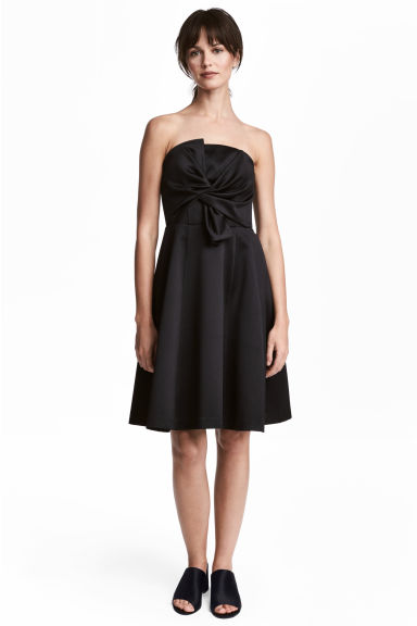 Short bandeau dress - Black - Ladies | H&M