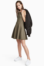 Textured jersey dress - Khaki green - Ladies | H&M 1