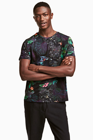 T-shirt - Black/Patterned - Men | H&M CN 1