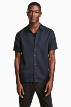 Lyocell short-sleeved shirt - Dark blue - Men | H&M CN 1