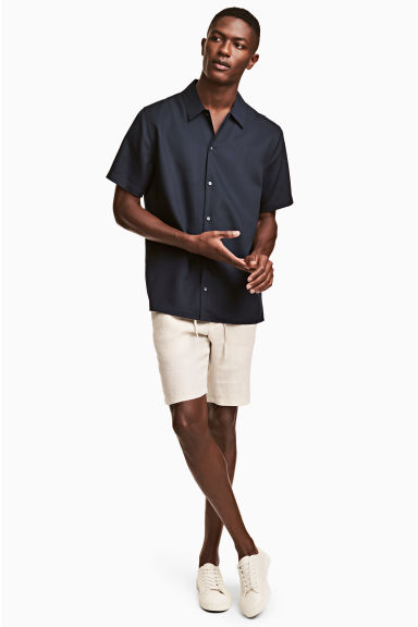 Linen-blend shorts - Natural white - Men | H&M 1
