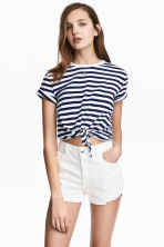 Denim shorts - White denim - Ladies | H&M CN 1