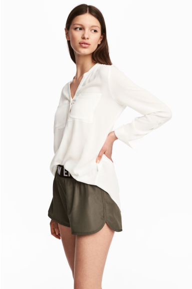 V-neck blouse - White - Ladies | H&M 1