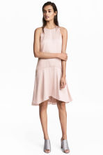 Sleeveless satin dress - Light pink - Ladies | H&M 1