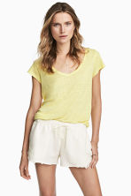 V-neck linen top - Light yellow - Ladies | H&M 1