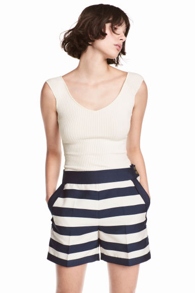 Tailored shorts - White/Dark blue/Striped - Ladies | H&M 1