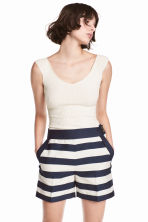 Tailored shorts - White/Dark blue/Striped -  | H&M CN 1