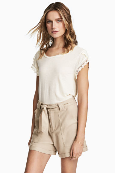 Linen-blend shorts - Light beige - Ladies | H&M CN 1