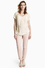 MAMA Chinos - Powder pink - Ladies | H&M 1