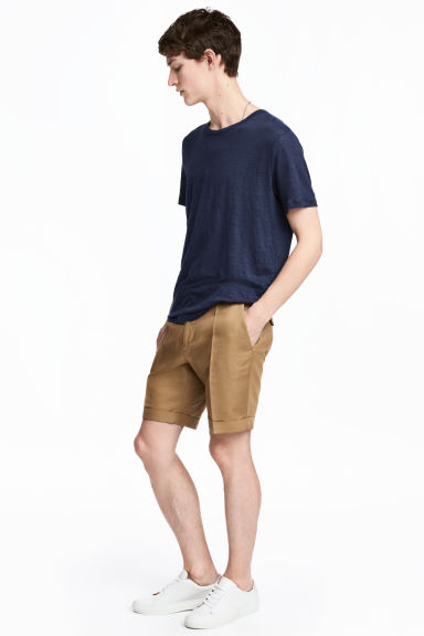 Linen-blend chino shorts - Dark beige - Men | H&M CN