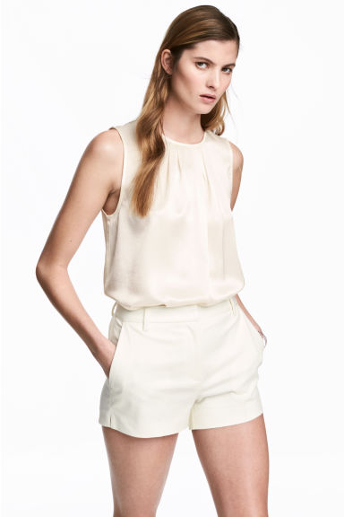 Short stretch shorts - White - Ladies | H&M 1