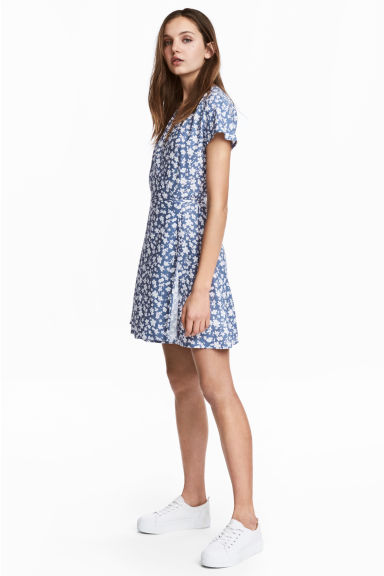 Patterned wrap dress - Pigeon blue - Ladies | H&M 1