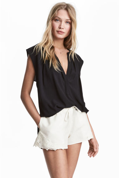 Sleeveless blouse - Black -  | H&M CN 1