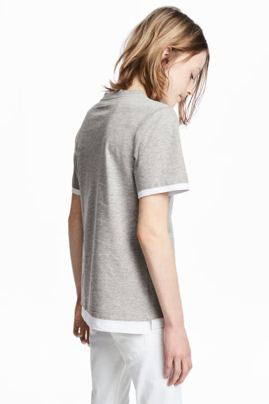 T-shirt with a chest pocket - Grey marl - Kids | H&M 1