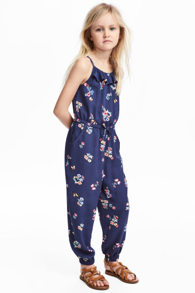 Crêpe jumpsuit - Dark blue/Floral - Kids | H&M 1