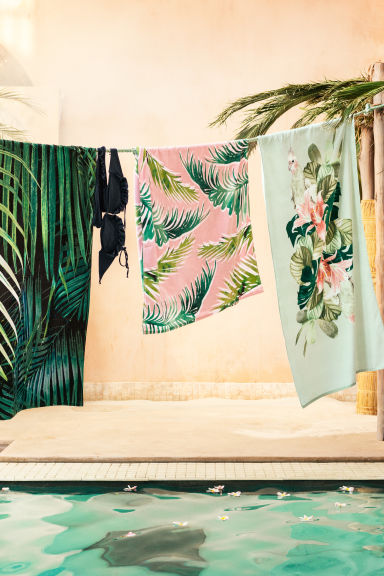Patterned beach towel - Light pink/Leaf - Home All | H&M CN 1