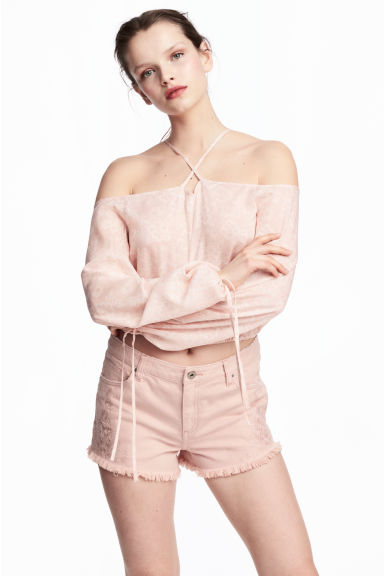 Embroidered denim shorts - Powder pink - Ladies | H&M 1