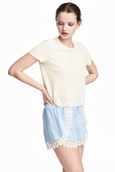 Shorts with lace details - Light blue - Ladies | H&M CN