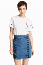 T-shirt with embroidery - White - Ladies | H&M CA 1