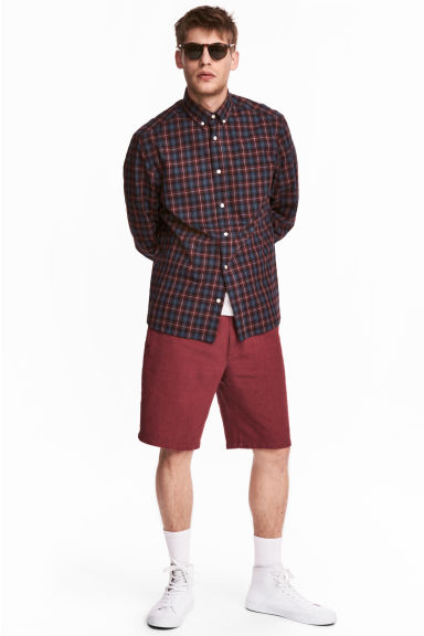 Linen-blend knee-length shorts - Dark red - Men | H&M CN