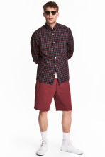 Linen-blend knee-length shorts - Dark red - Men | H&M IE 1