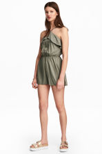 Flounced playsuit - Khaki green - Ladies | H&M 1