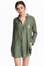 Shirt with appliqué - Khaki green - Ladies | H&M 1